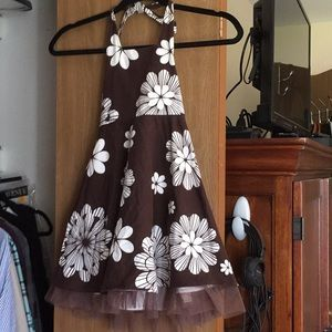 ** Adorable summer halter dress size 4